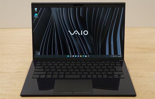 VAIO Z VJZ1421 勝色特別仕様のサイズ